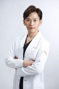 hiroyuki-miyasako-after-plastic-surgery